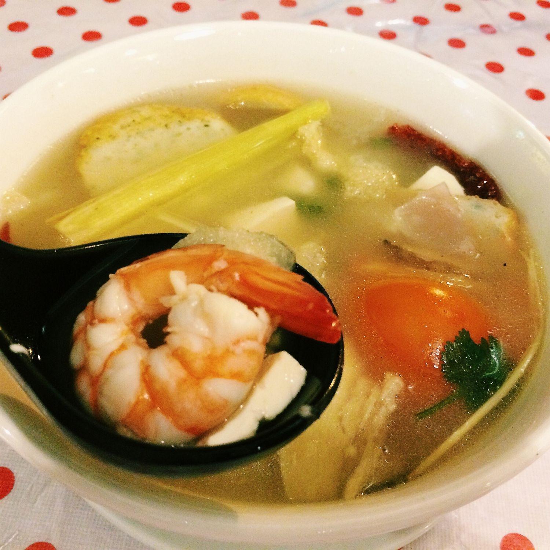 Tom Yam Goong - Kombi Rocks Diner