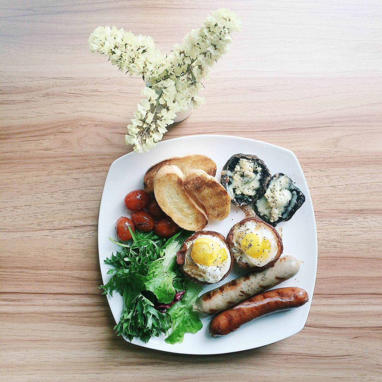 Bacon Eggs Breakfast - Tête-à-Tête Café