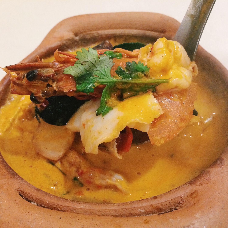 Claypot Coconut Tom Yum Soup - Spicy Thai-Thai Cafe