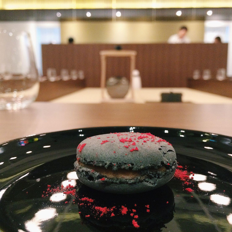 Foie Gras Macaron - Hashida Garo