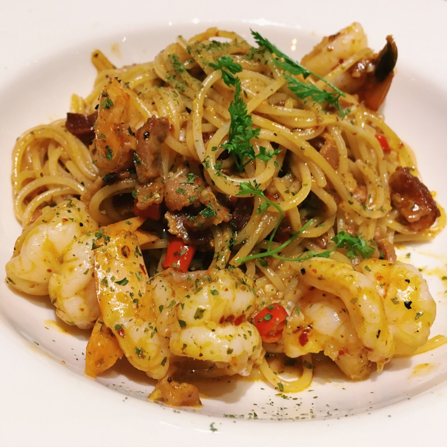 Spicy Aglio Olio with Prawn - Fresh Fruits Lab