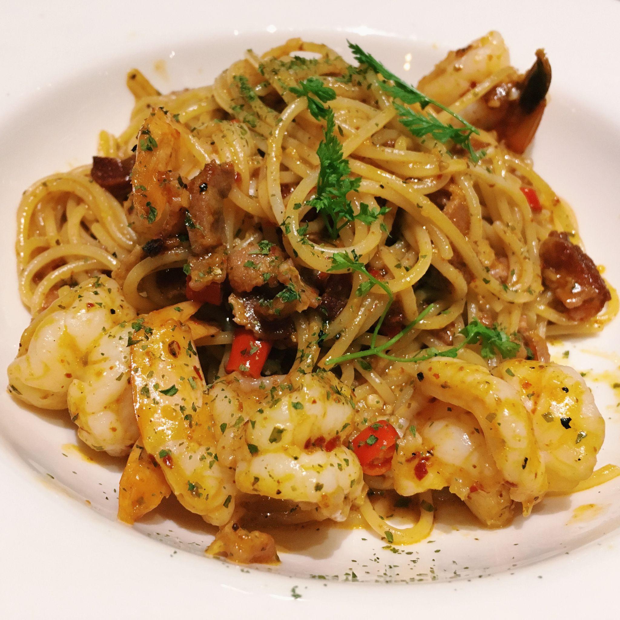 Spicy Aglio Olio with Prawn - Fresh Fruits Lab