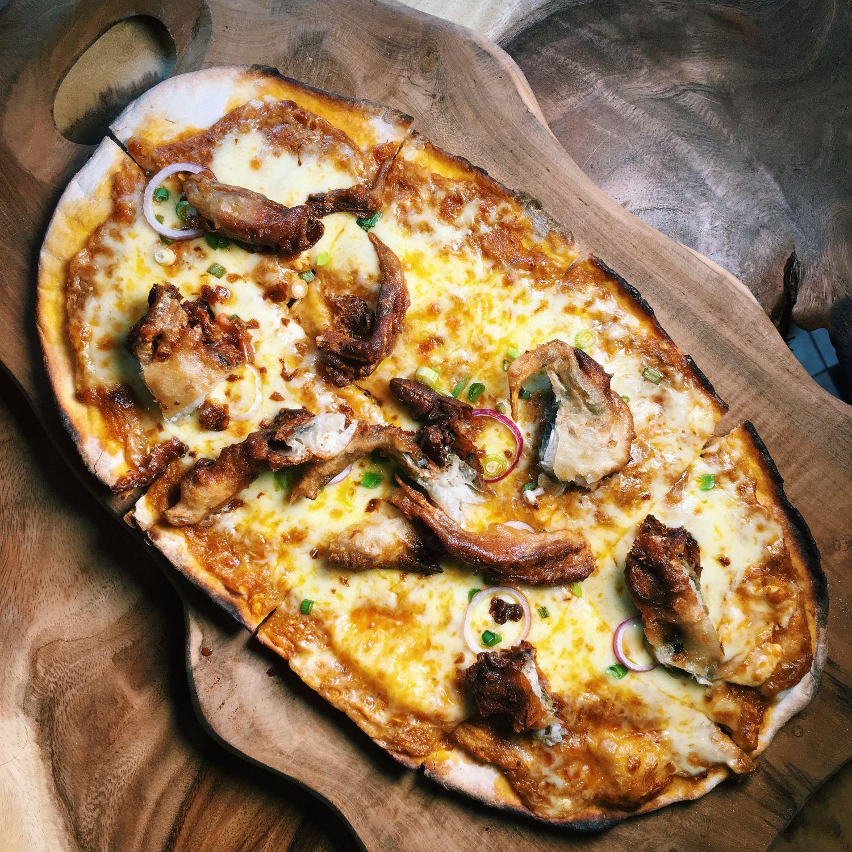 Cheesy Chilli Crab Pizza - Classified Cafe Singapore