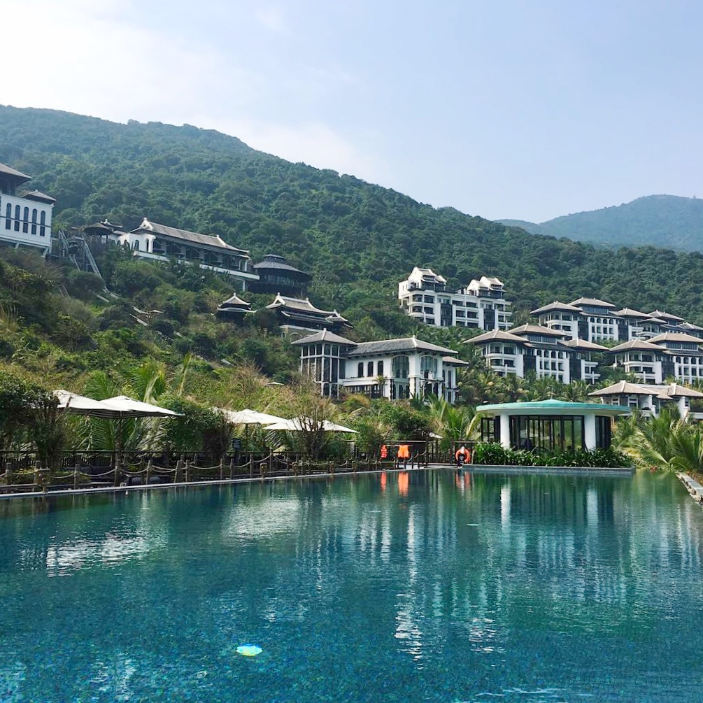 InterContinental Danang Sun Peninsula Resort pool