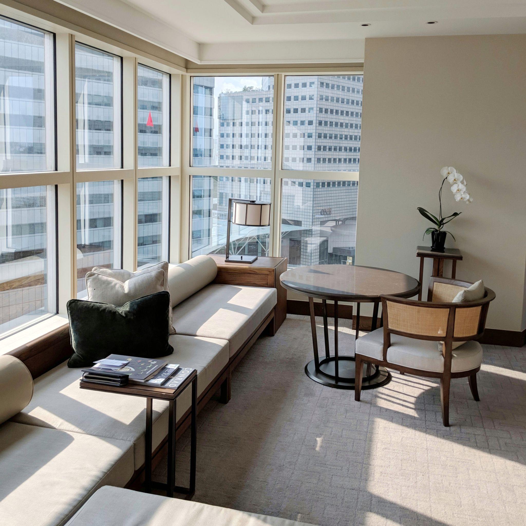 conrad centennial singapore centennial king suite living room