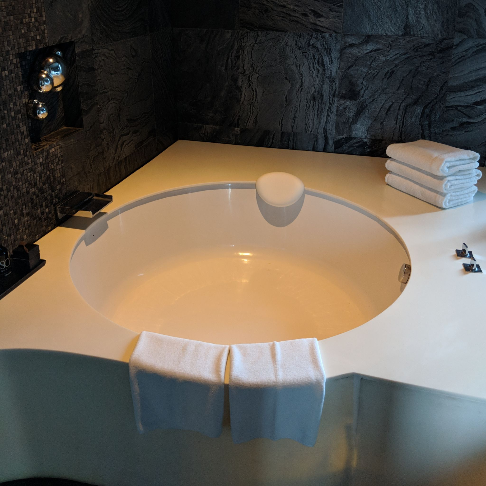 so sofitel bangkok so suite bathtub