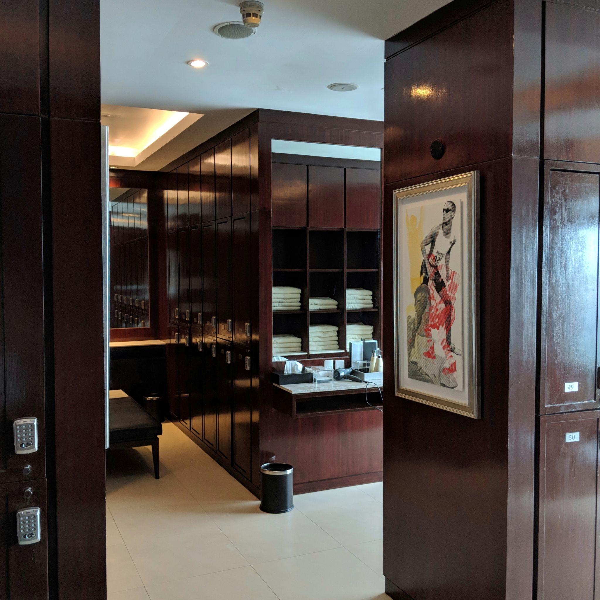 intercontinental bangkok gym locker room