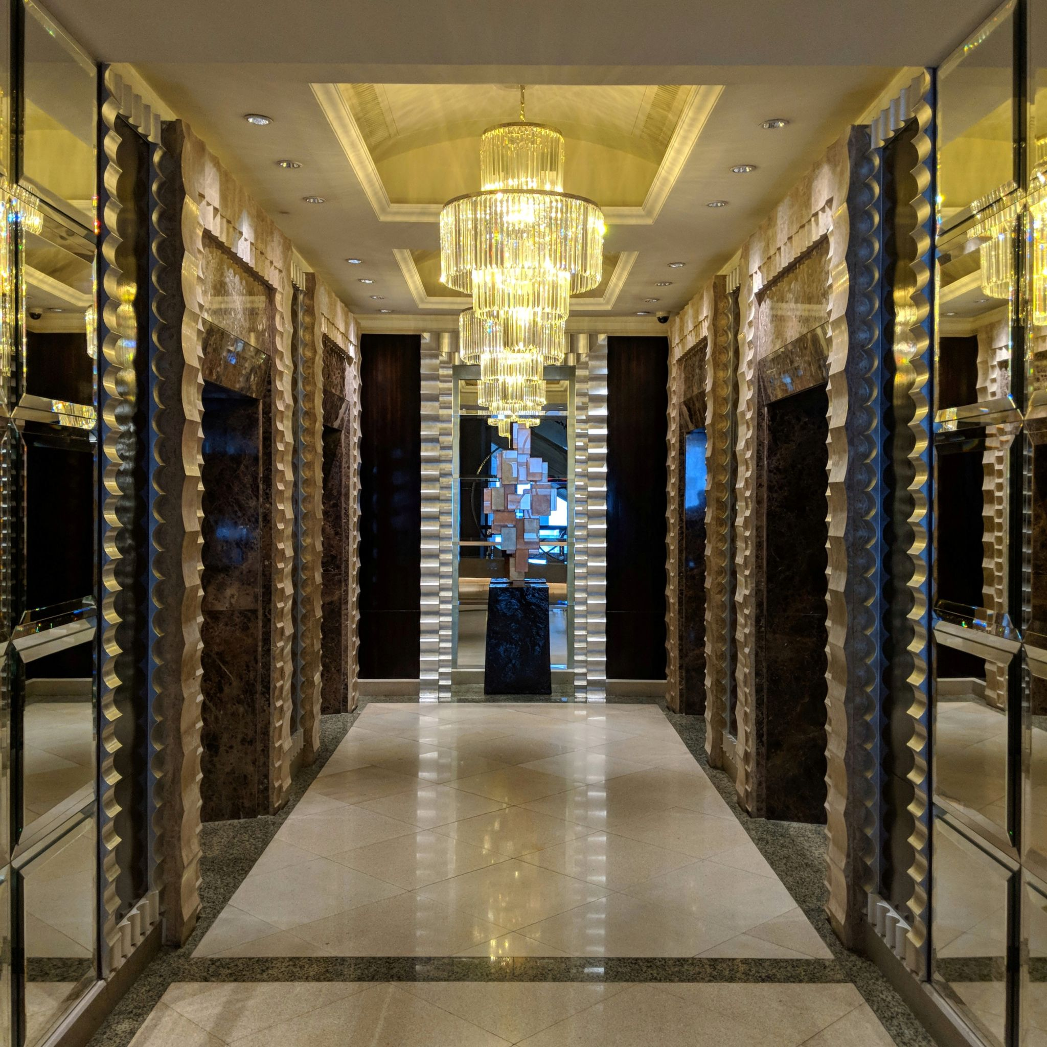 intercontinental bangkok elevator lobby