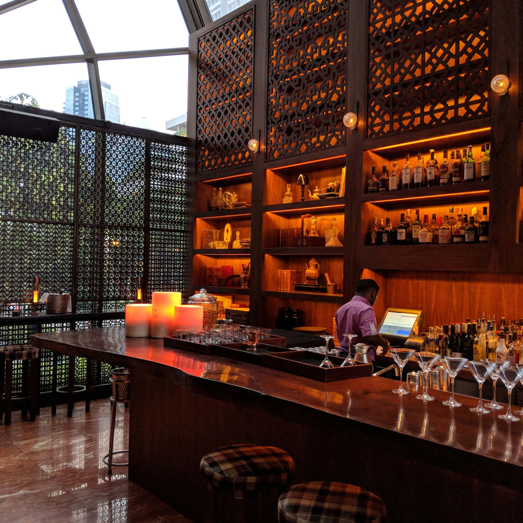grand hyatt singapore martini bar