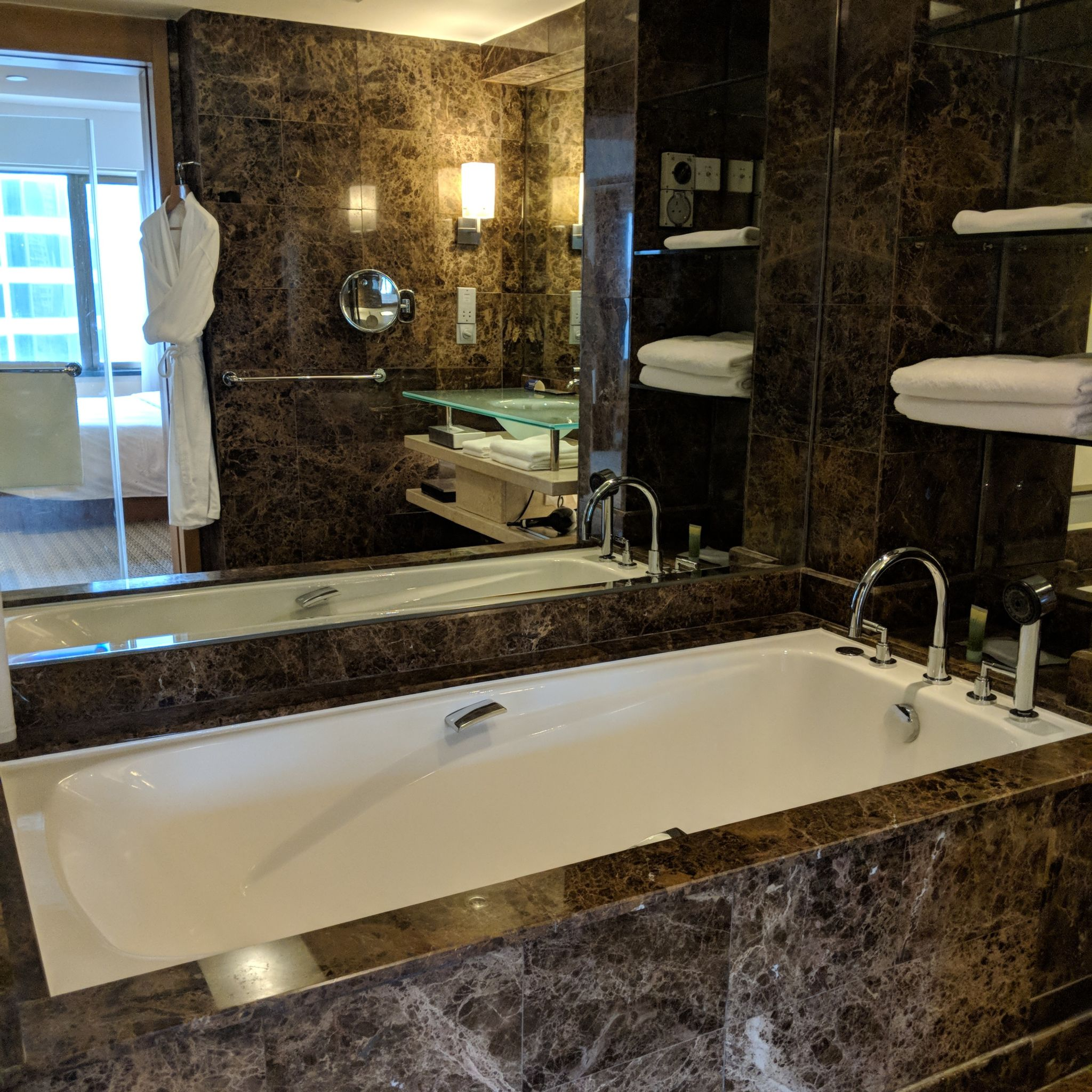 grand hyatt singapore king club room bathroom