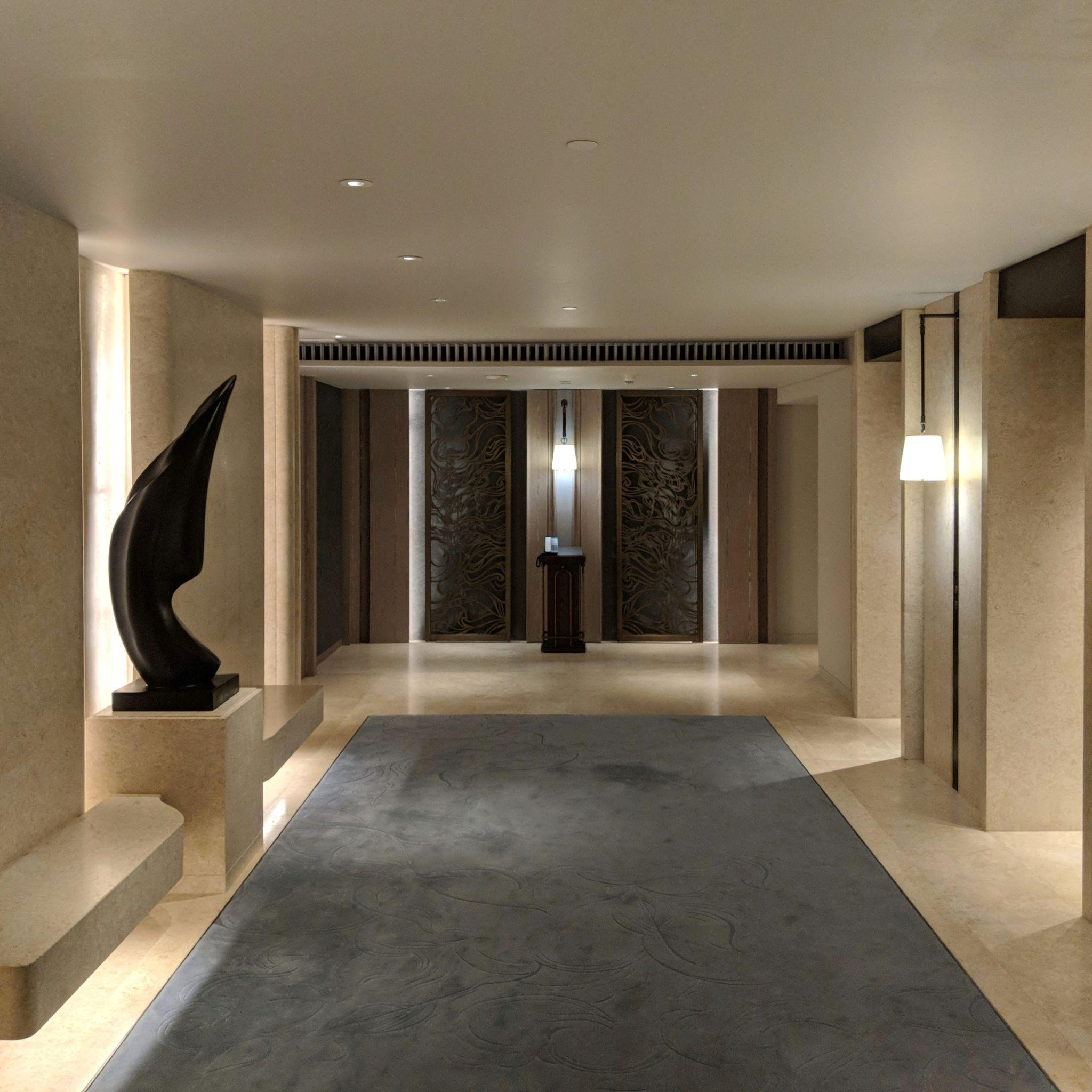 waldorf astoria bangkok lift lobby