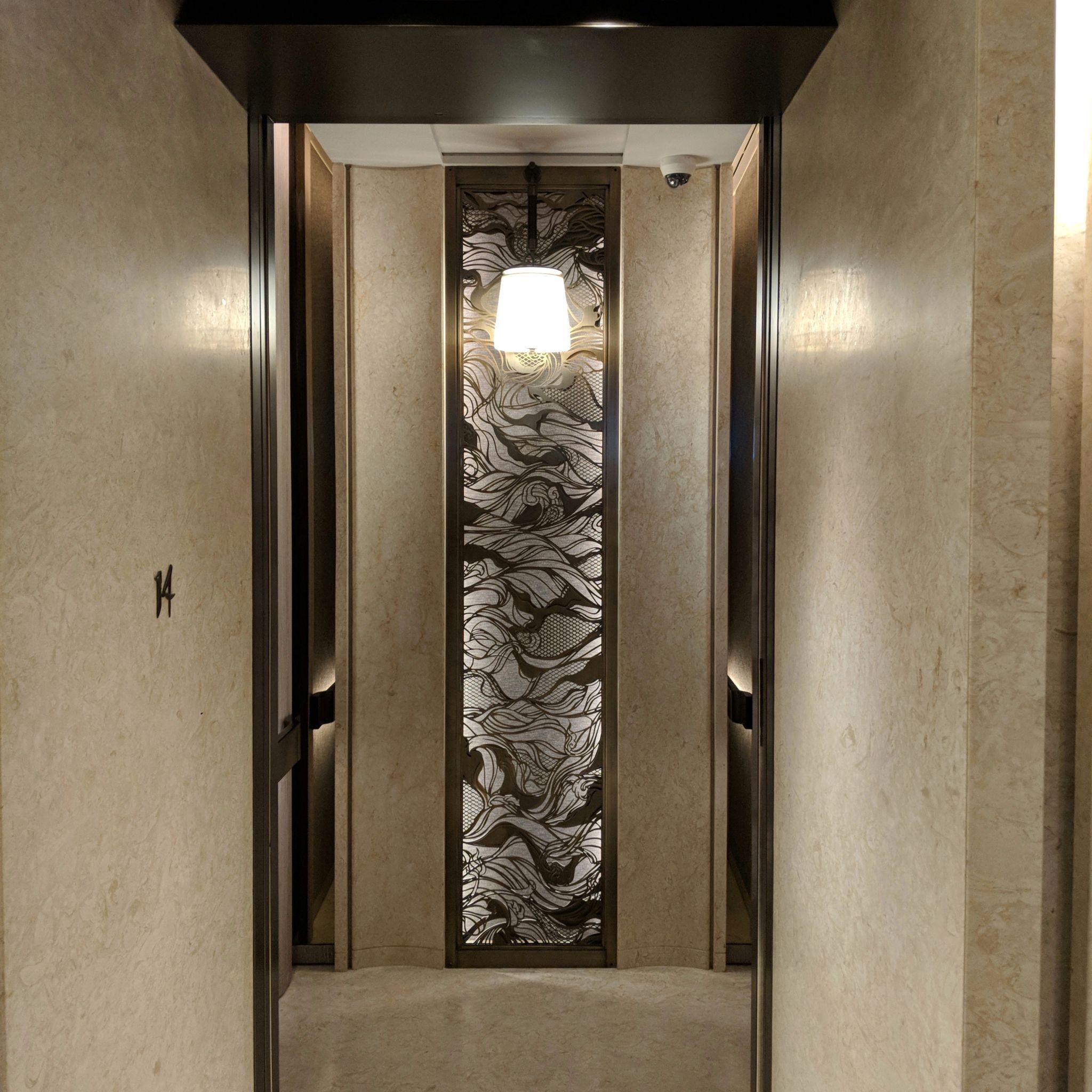 waldorf astoria bangkok elevator