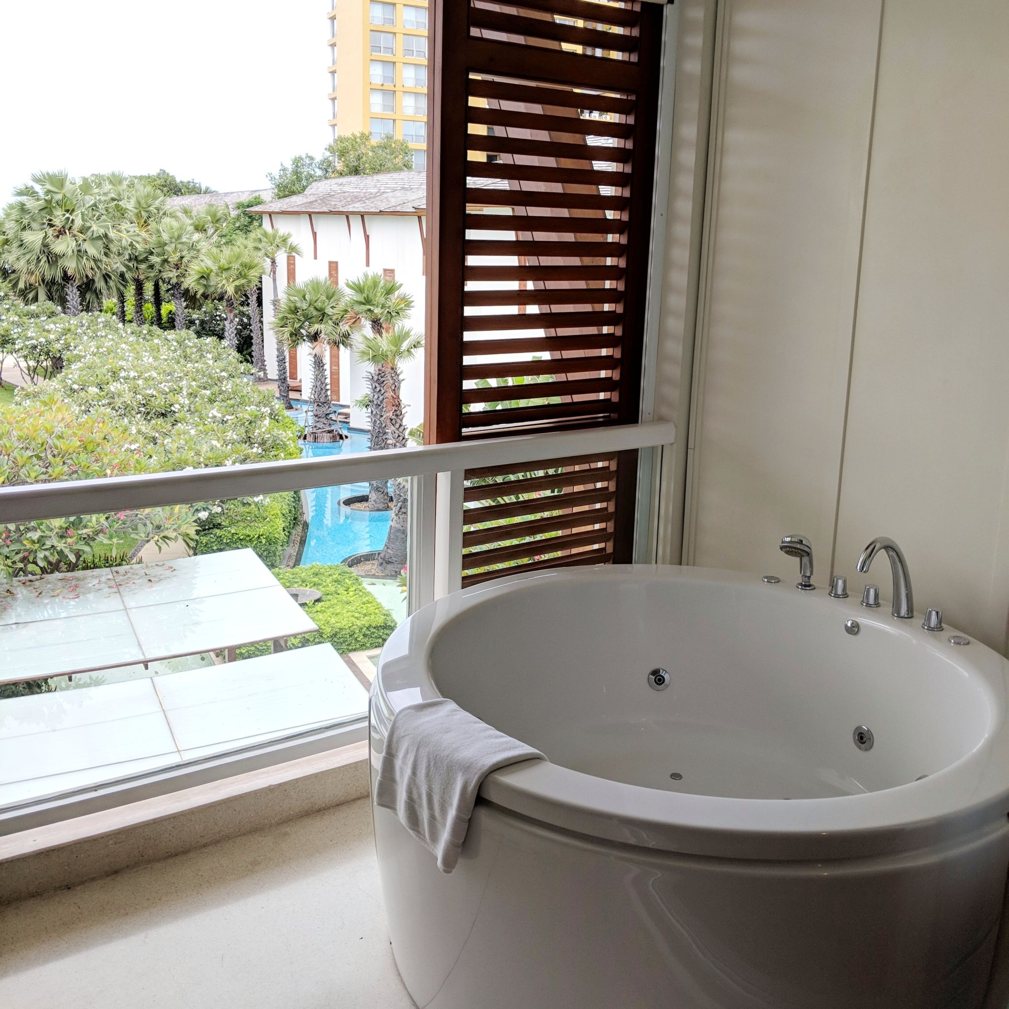 intercontinental hua hin resort resort classic suite balcony jacuzzi