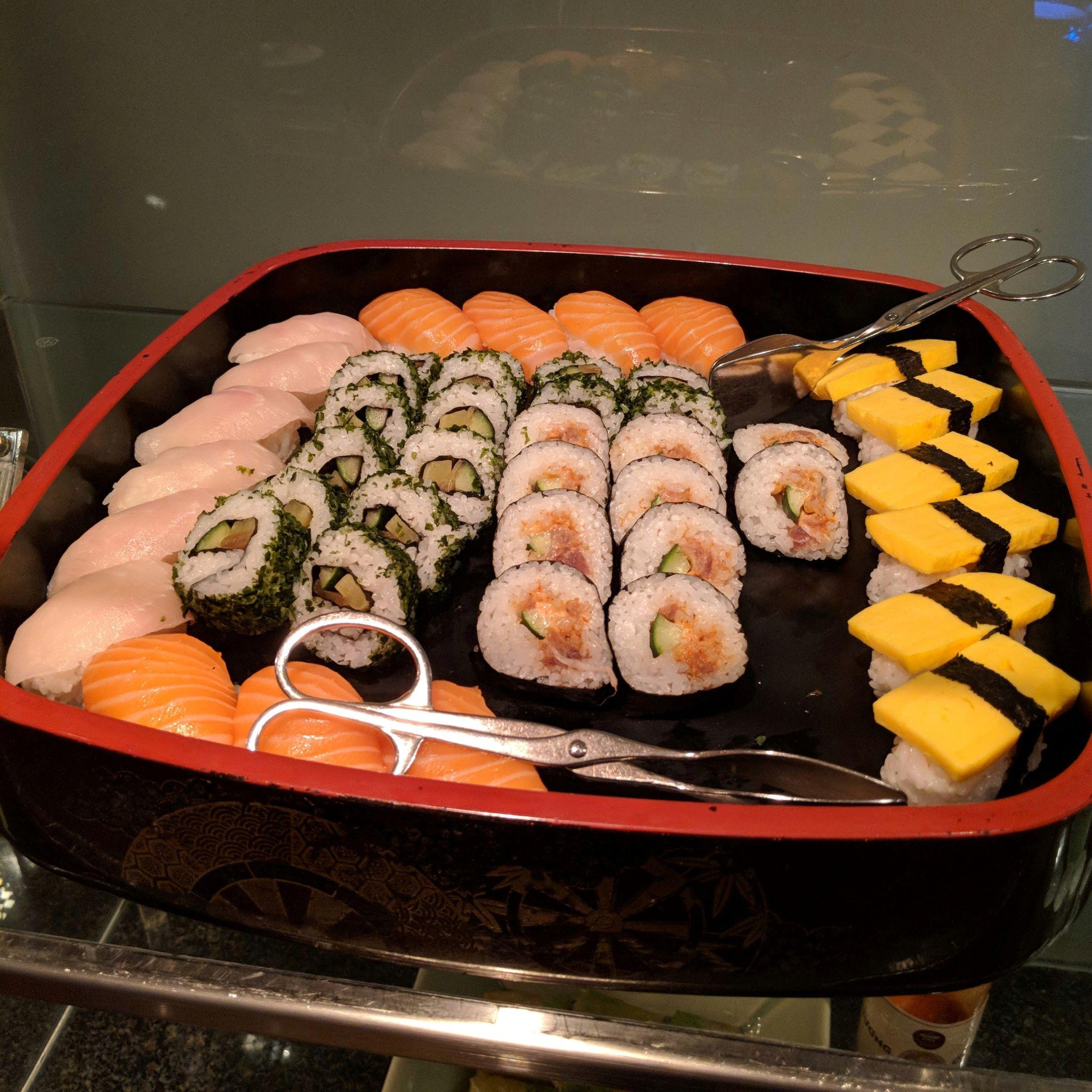 grand hyatt singapore grand club sushi