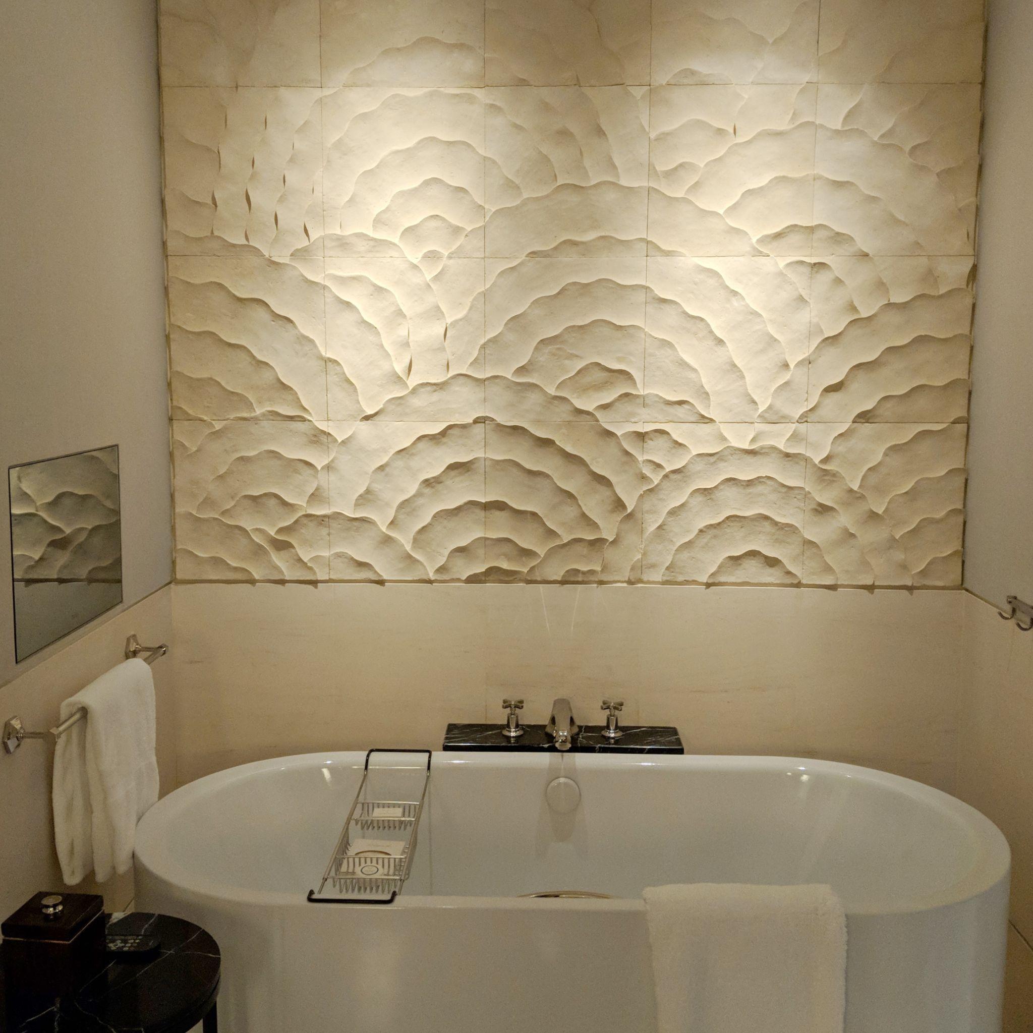 The Capitol Kempinski Hotel Singapore stamford suite bathtub