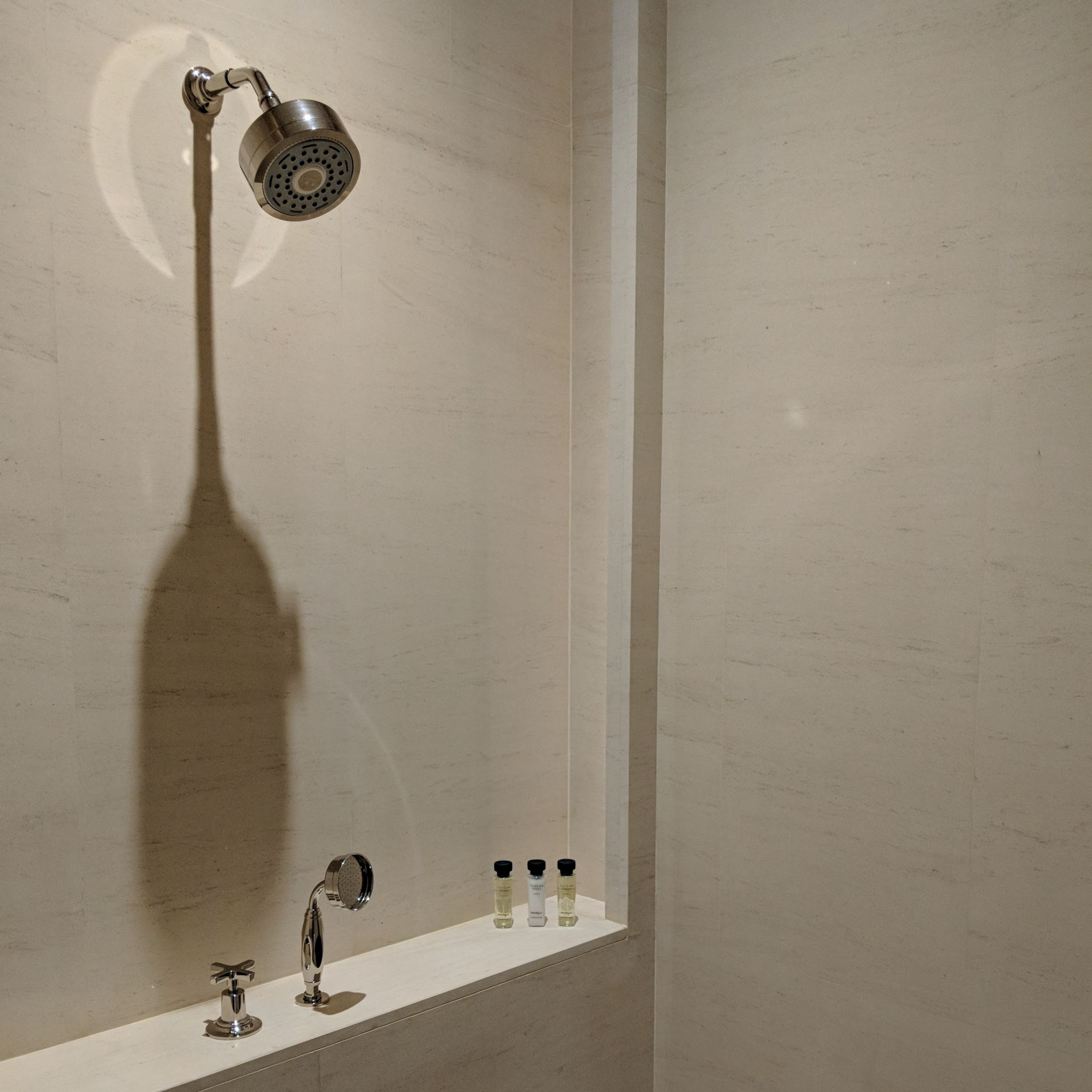 The Capitol Kempinski Hotel Singapore stamford suite rainfall shower