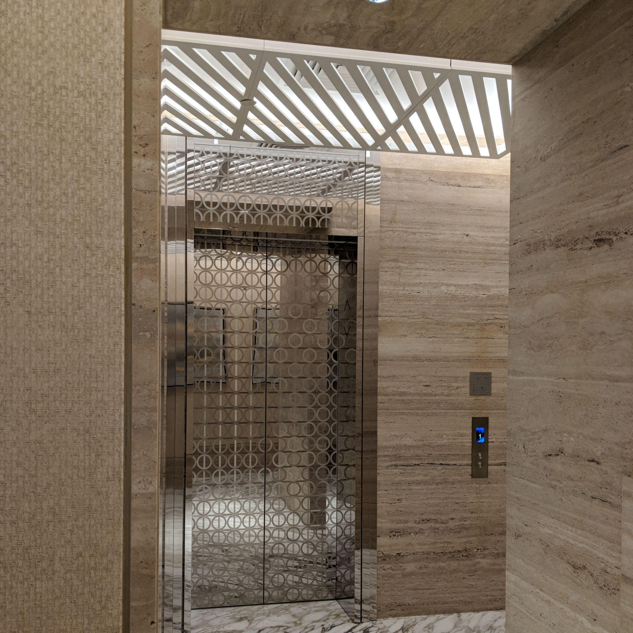 The Capitol Kempinski Hotel Singapore lift lobby