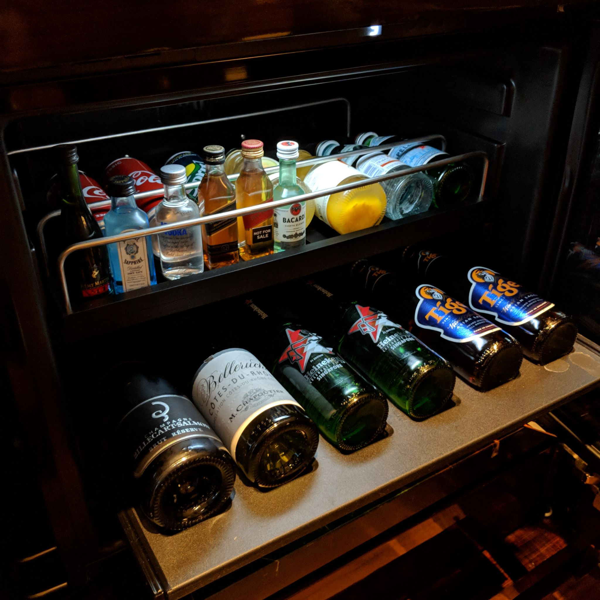The Capitol Kempinski Hotel Singapore stamford suite mini bar