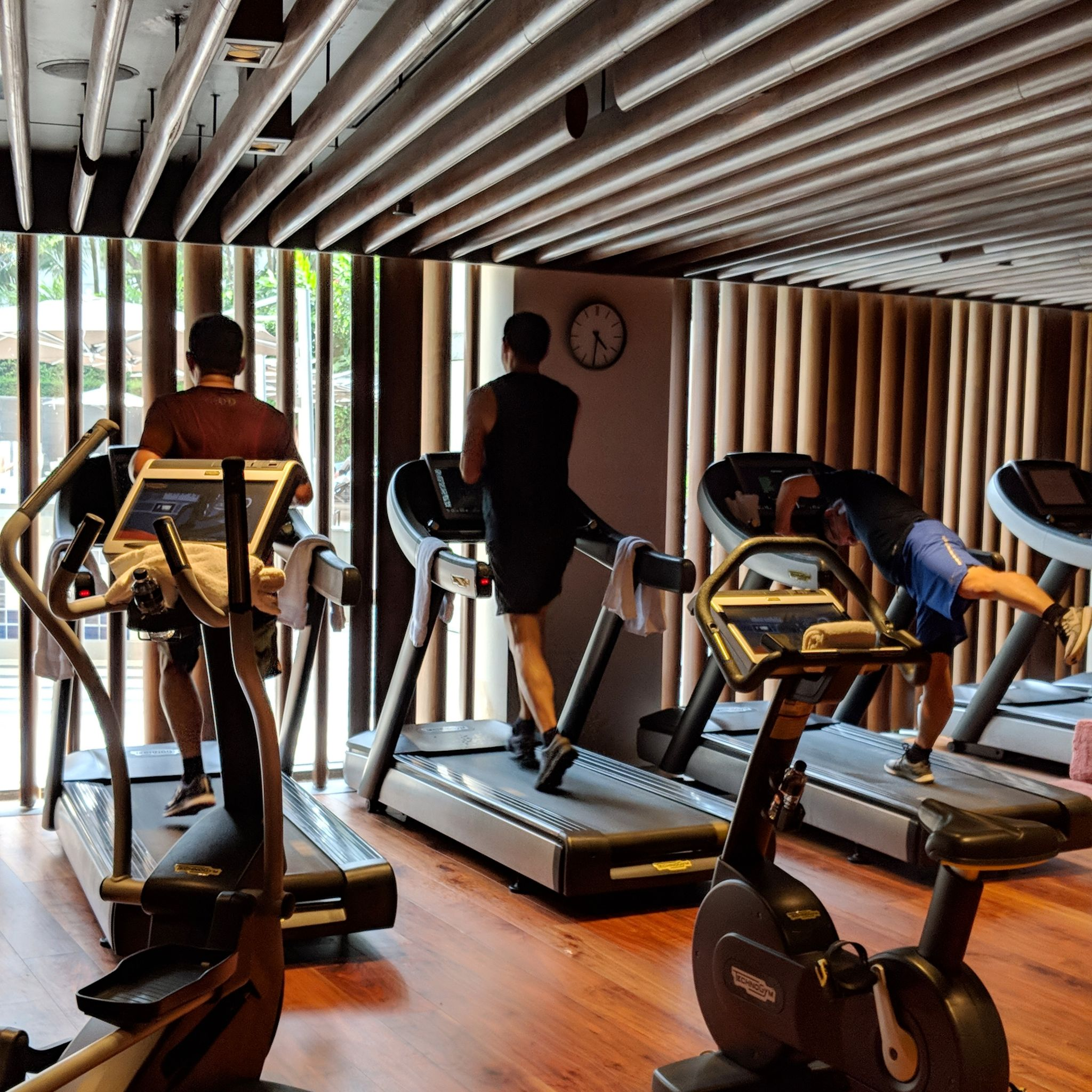 the ritz-carlton, millenia singapore gym
