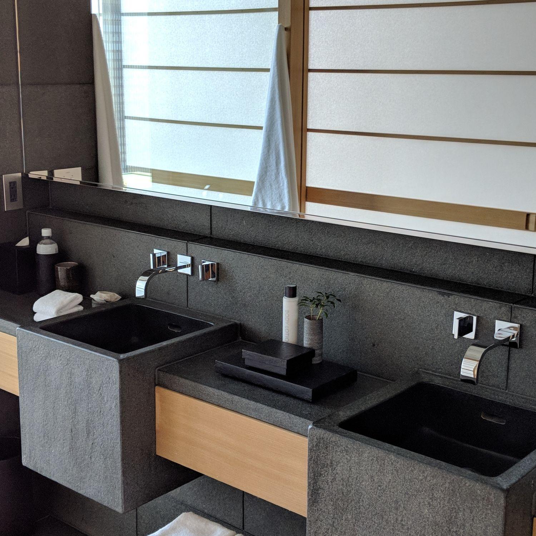 aman tokyo premier room vanity