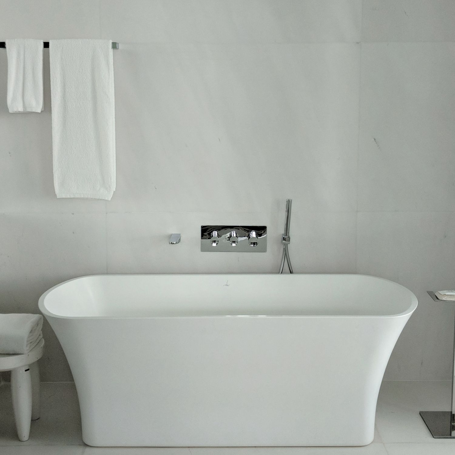 jw marriott singapore south beach executive suite with premier marina bay view bathroom bathtub