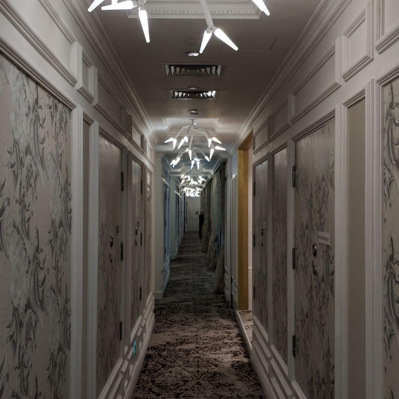 so sofitel singapore hallway