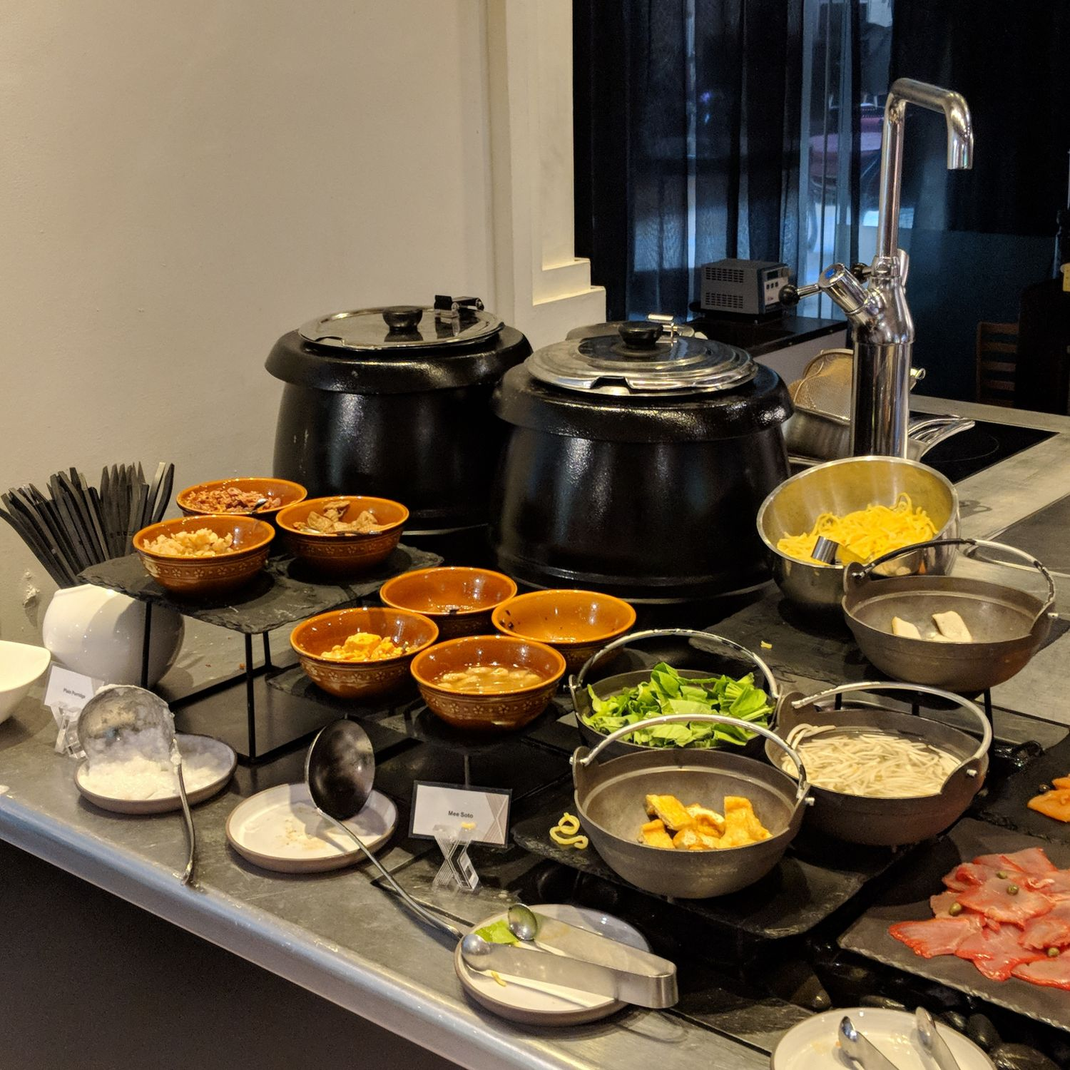 so sofitel singapore xperience breakfast noodle station