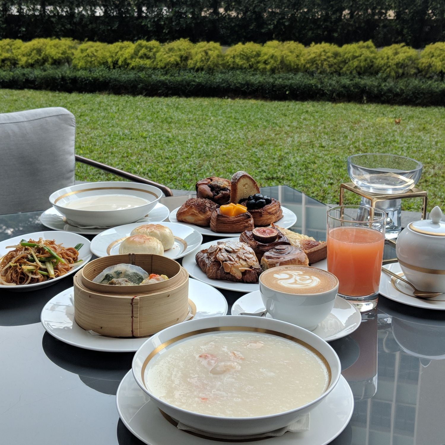 the murray hong kong garden lounge breakfast