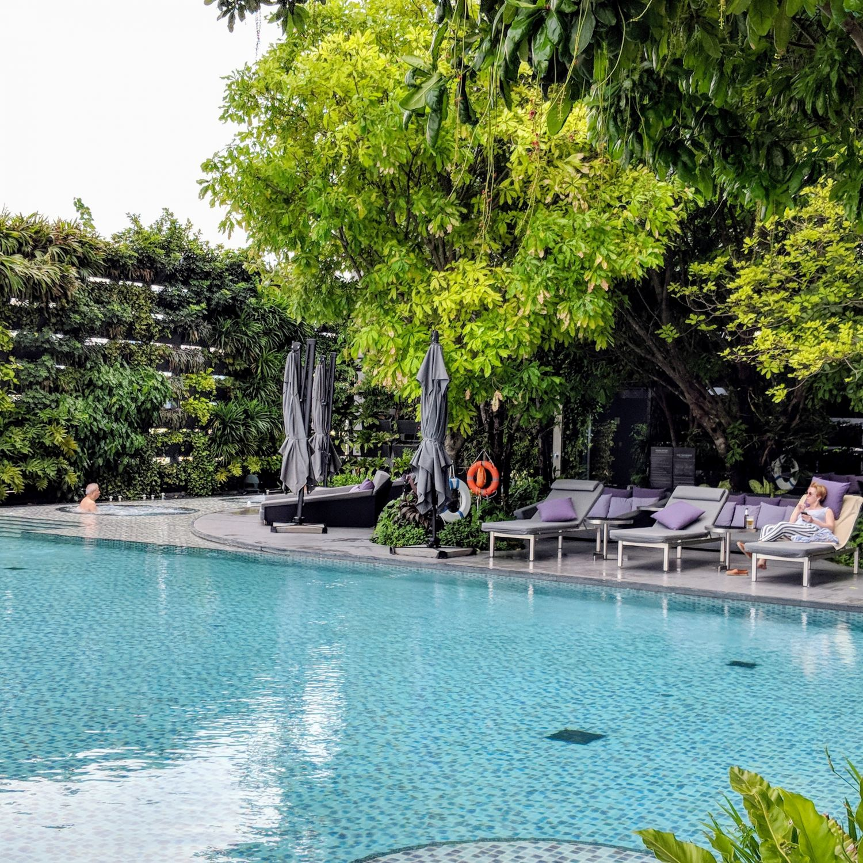 Hyatt Regency Bangkok Sukhumvit pool