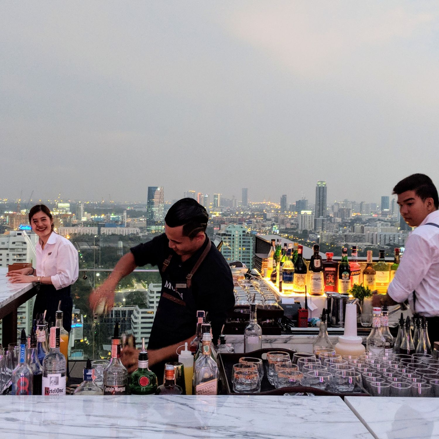 Hyatt Regency Bangkok Sukhumvit spectrum lounge & bar