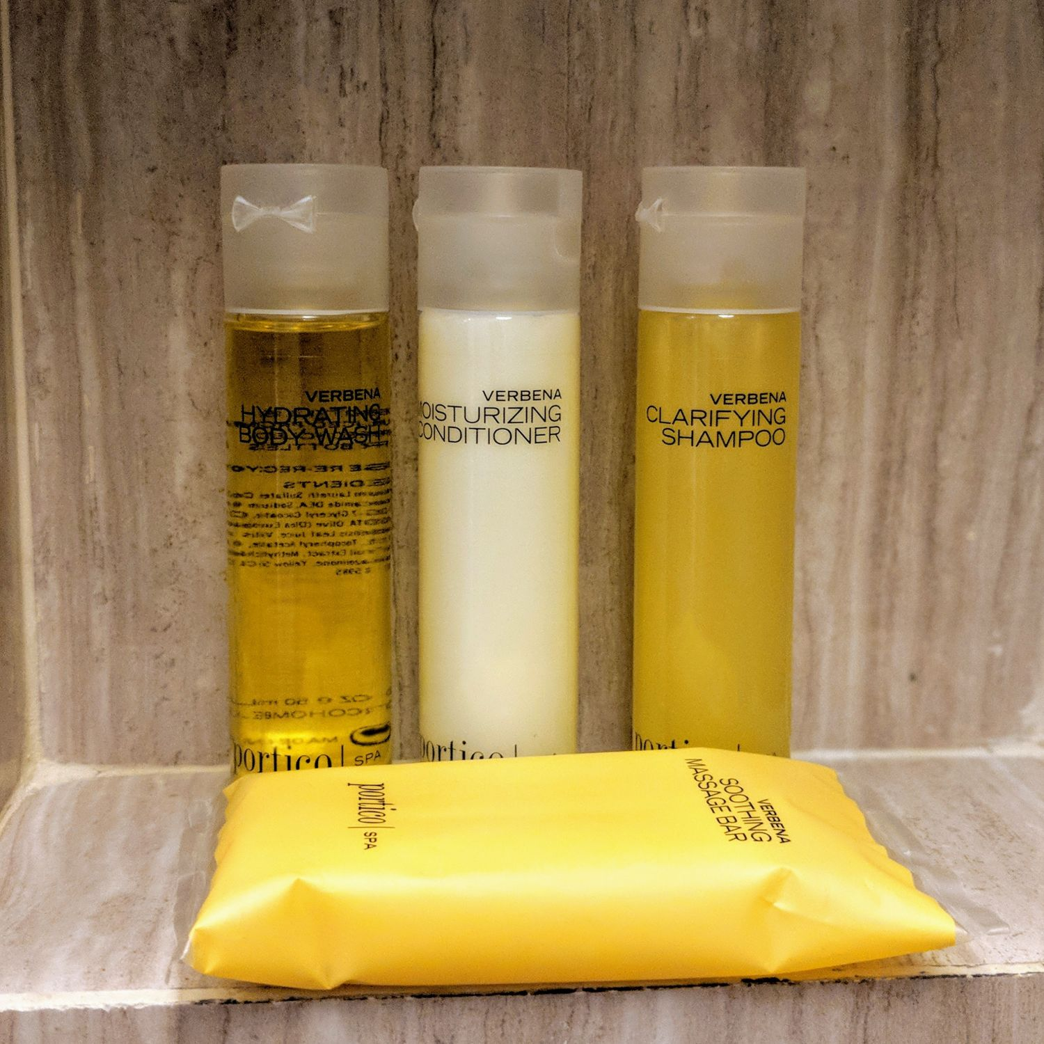 Hyatt Regency Bangkok Sukhumvit king bed deluxe bathroom amenities