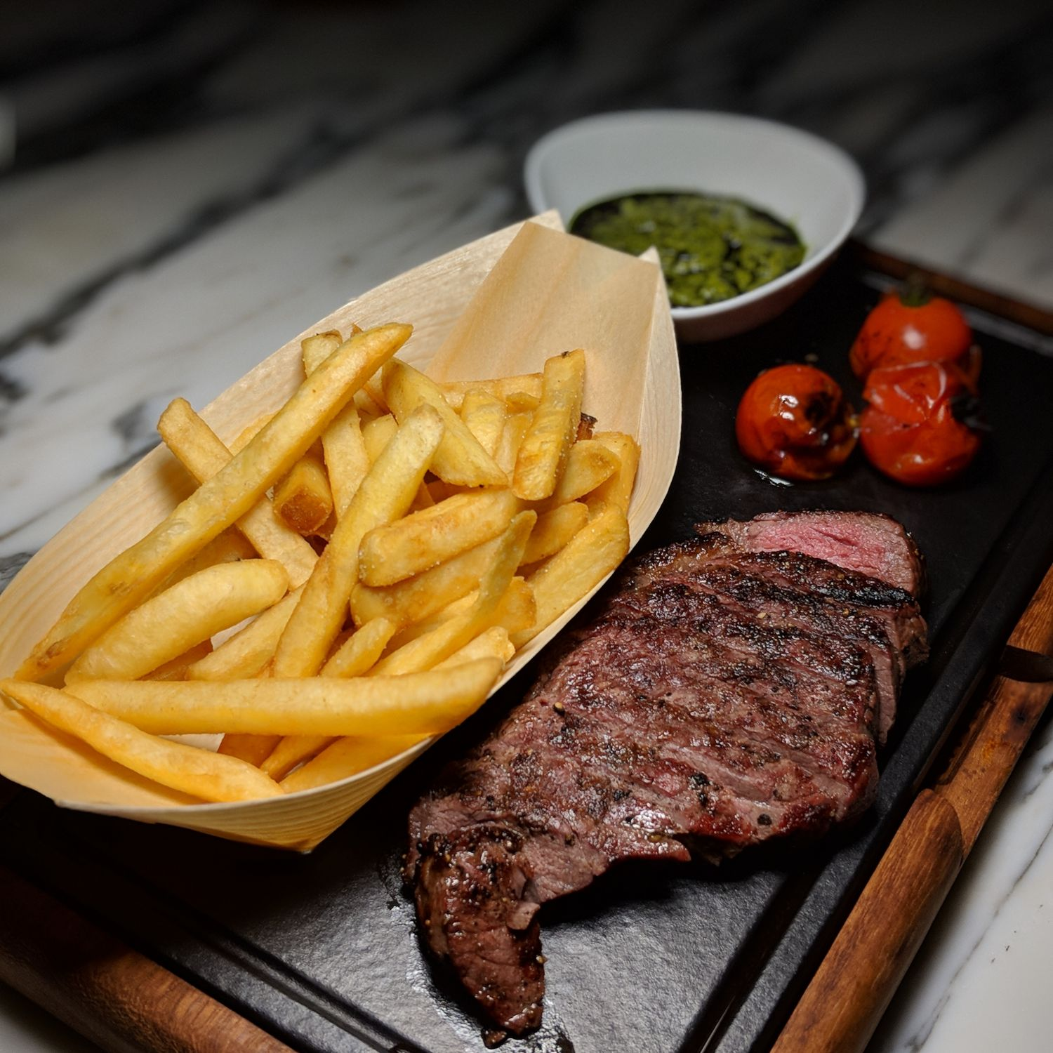 Hyatt Regency Bangkok Sukhumvit spectrum lounge & bar steak fries