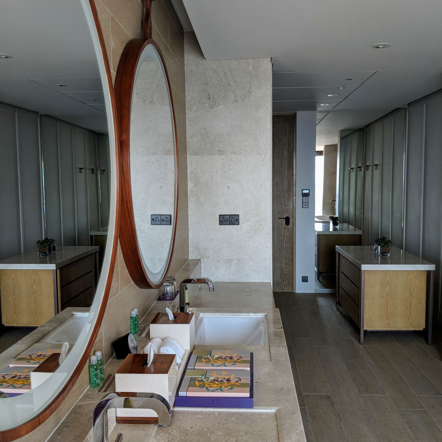 andaz singapore Andaz Large Suite King bathroom