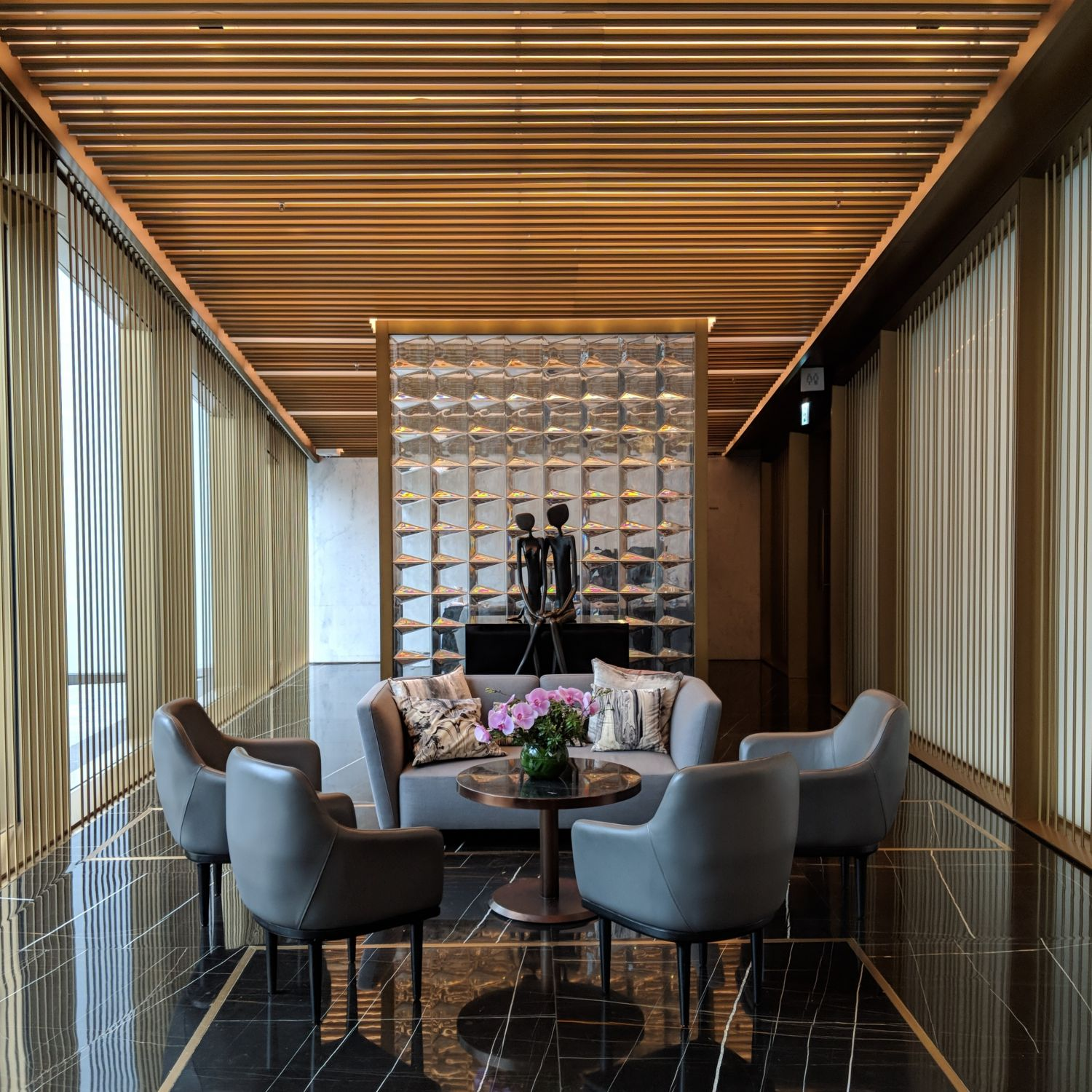 the murray hong kong lobby