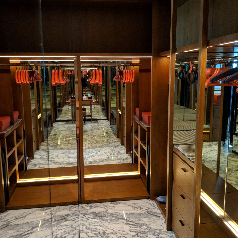 rosewood hong kong grand harbour corner suite walk-in closet