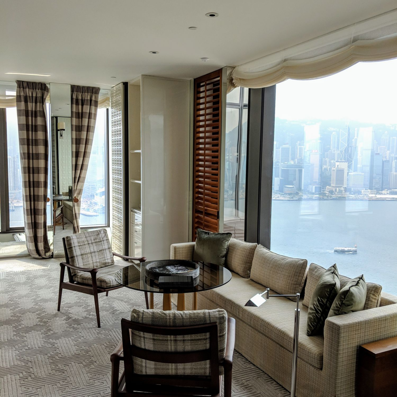 rosewood hong kong grand harbour corner suite den