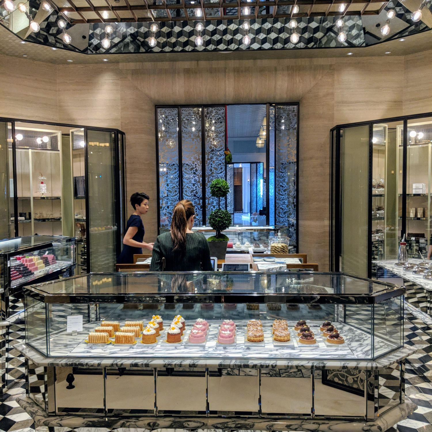 rosewood hong kong the butterfly patisserie