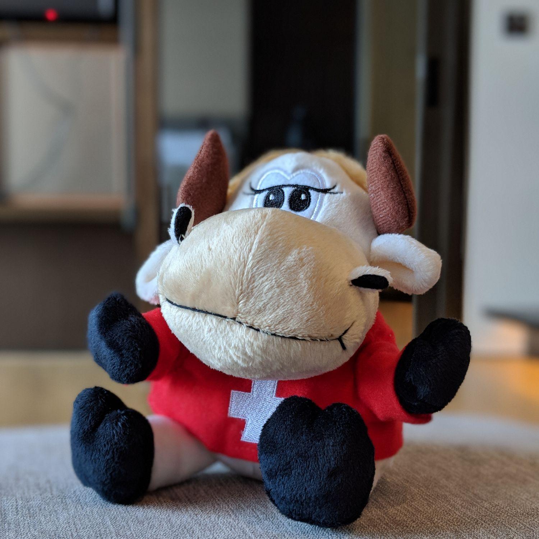 swissotel the stamford niu niu mascot plush