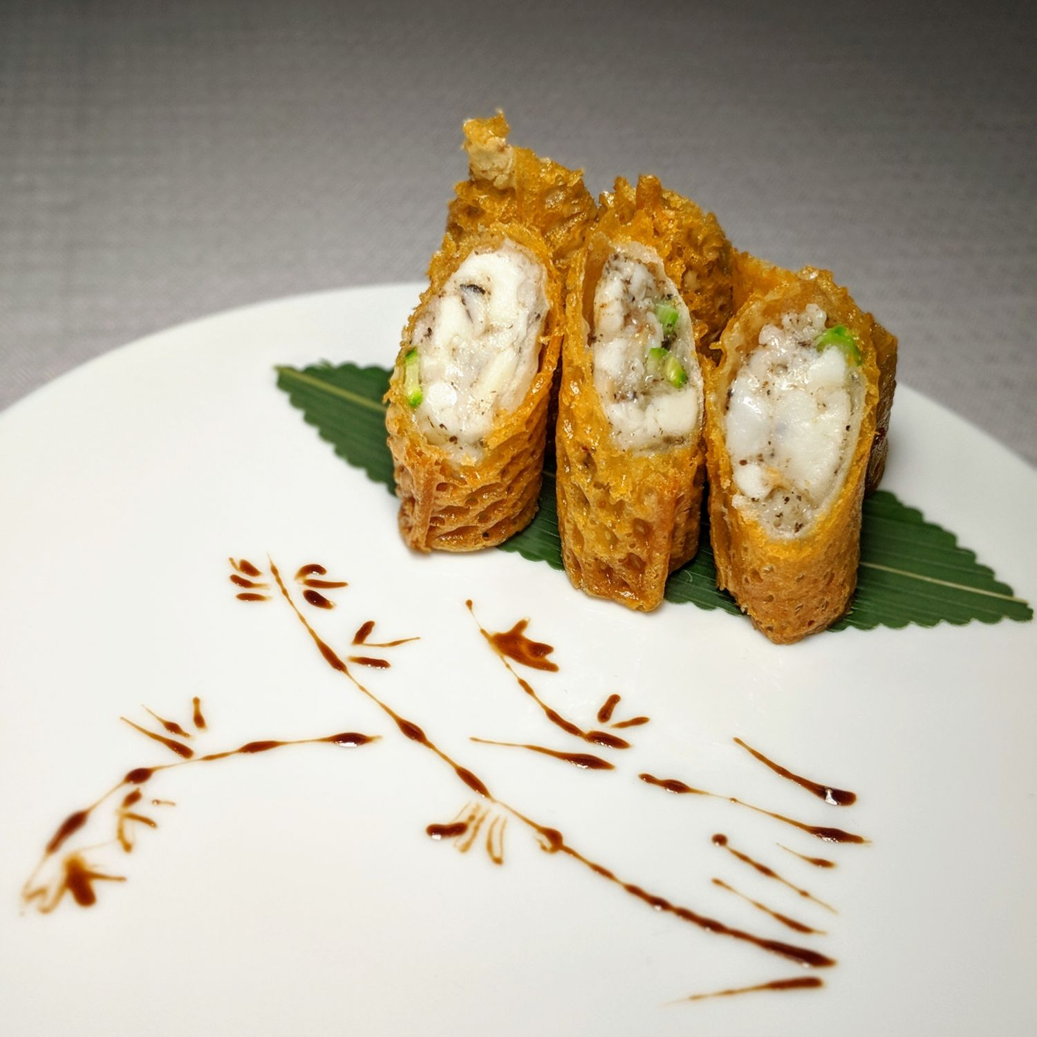 the st. regis hong kong run deep-fried lobster spring roll