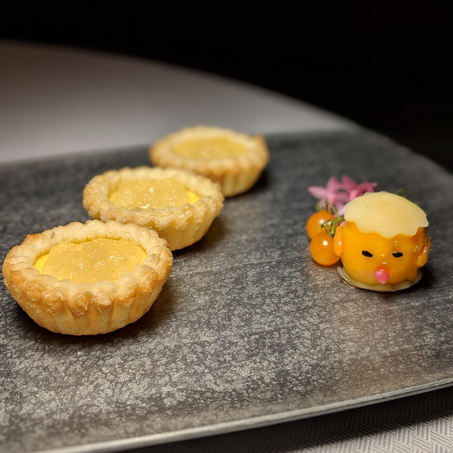 the st. regis hong kong run baked egg custard tart bird's nest