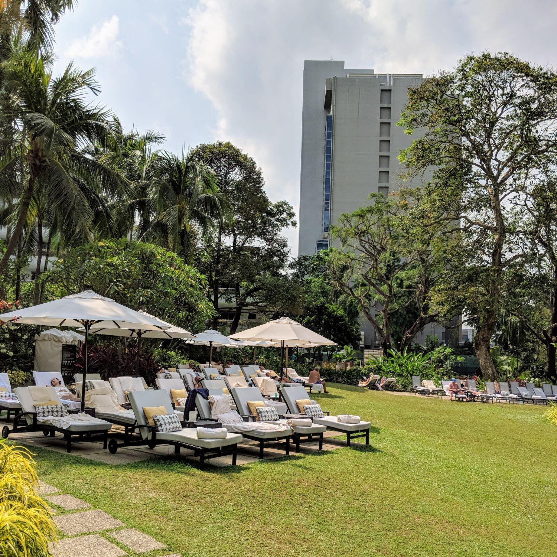 Shangri-La Hotel Singapore Tanning Terrace