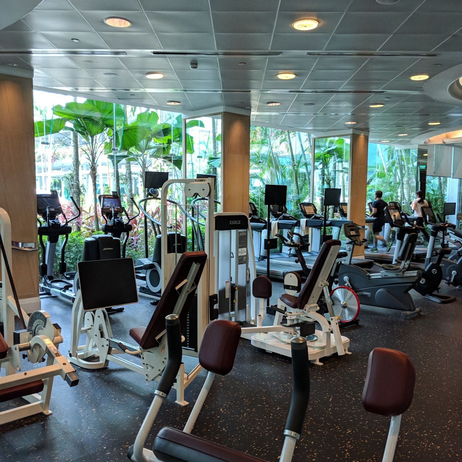 Shangri-La Hotel Singapore Health Club Gymnasium