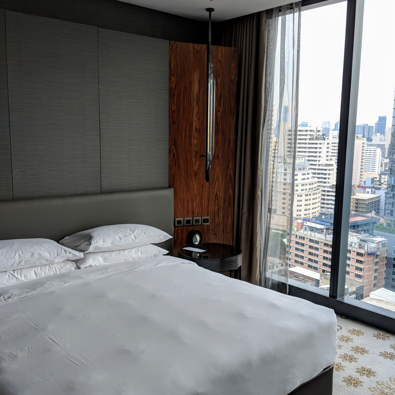Hyatt Regency Bangkok Sukhumvit king bed deluxe bedroom