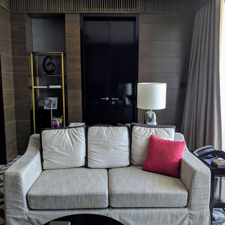 137 pillars hotel sukhumvit bangkok ayutthaya suite living room