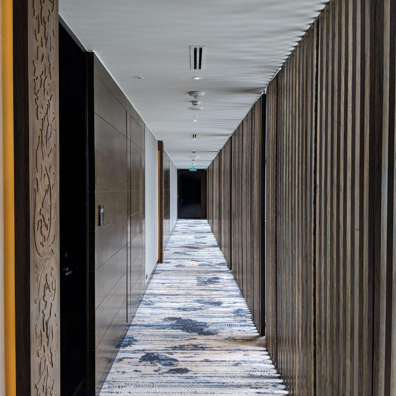 137 pillars hotel sukhumvit bangkok hallway