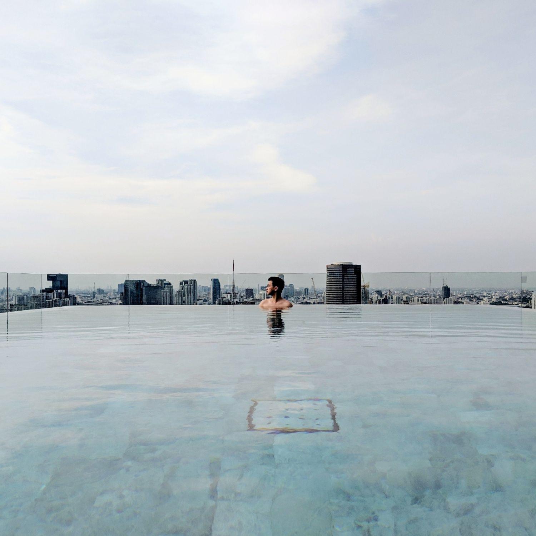 137 pillars hotel sukhumvit bangkok rooftop infinity pool
