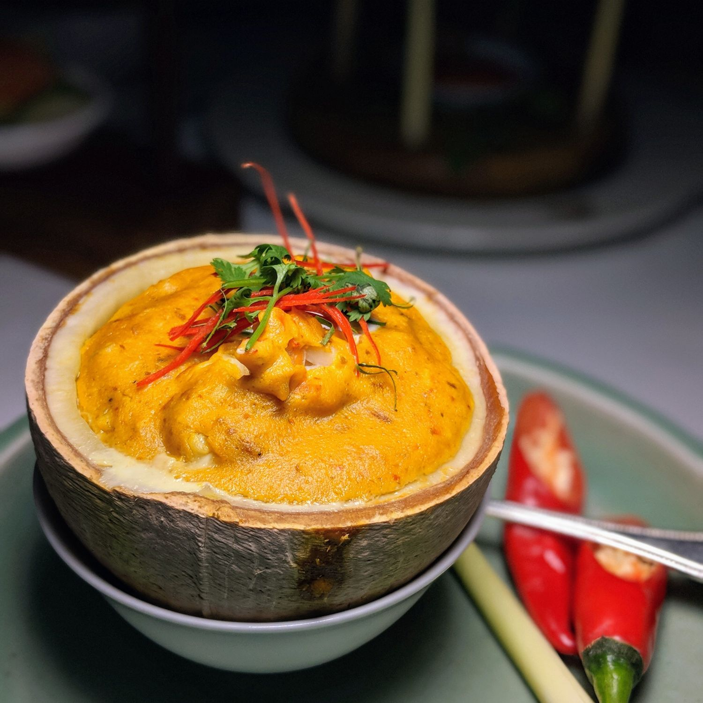 raffles hotel le royal phnom penh Restaurant Le Royal Amok Bangkang