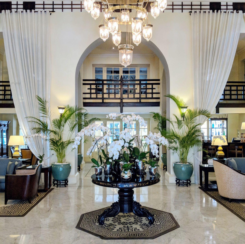 raffles hotel le royal phnom penh lobby