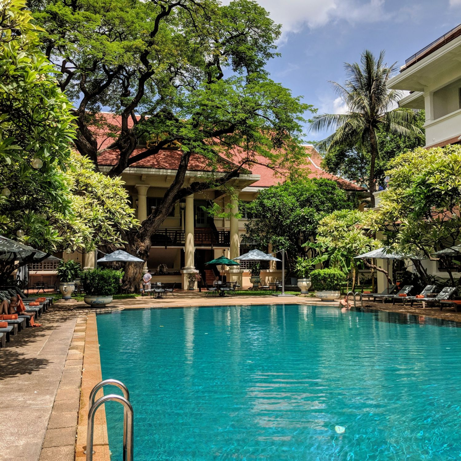 raffles hotel le royal phnom penh pool