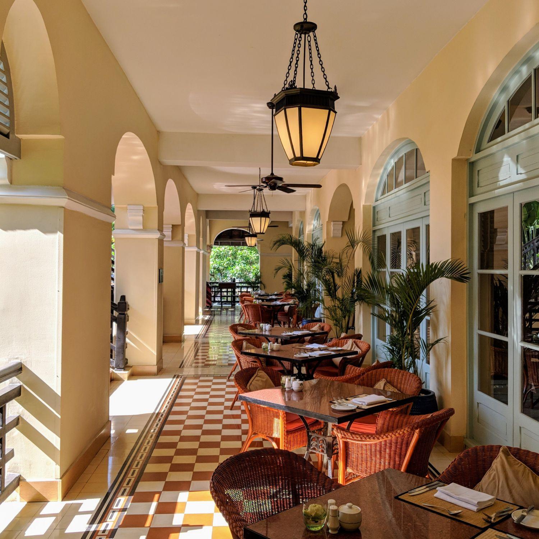 raffles hotel le royal phnom penh Café Monivong
